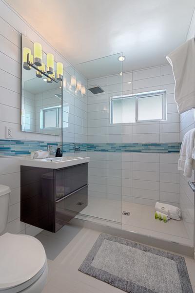 #217 Bathroom 1