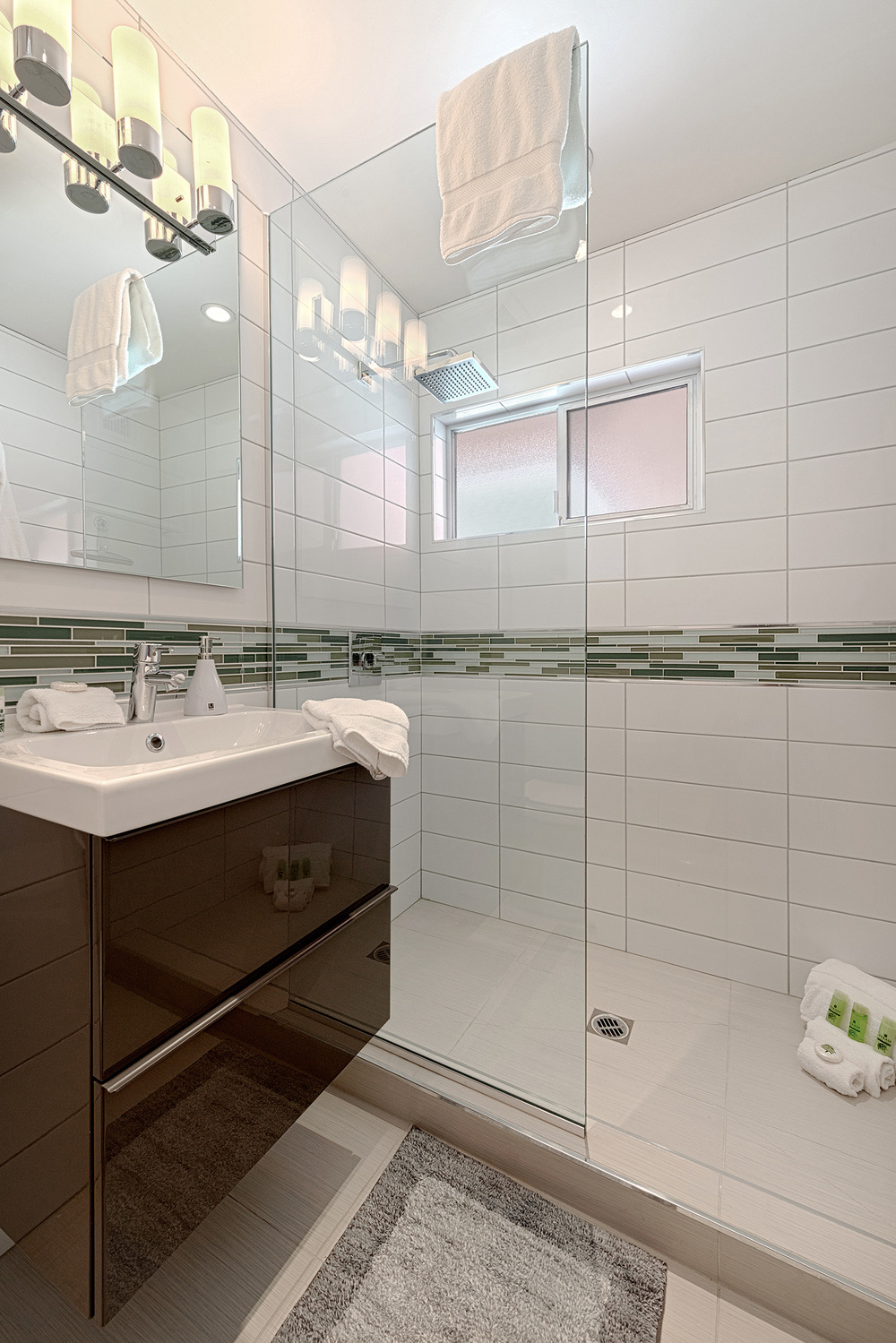 #217 Bathroom 2