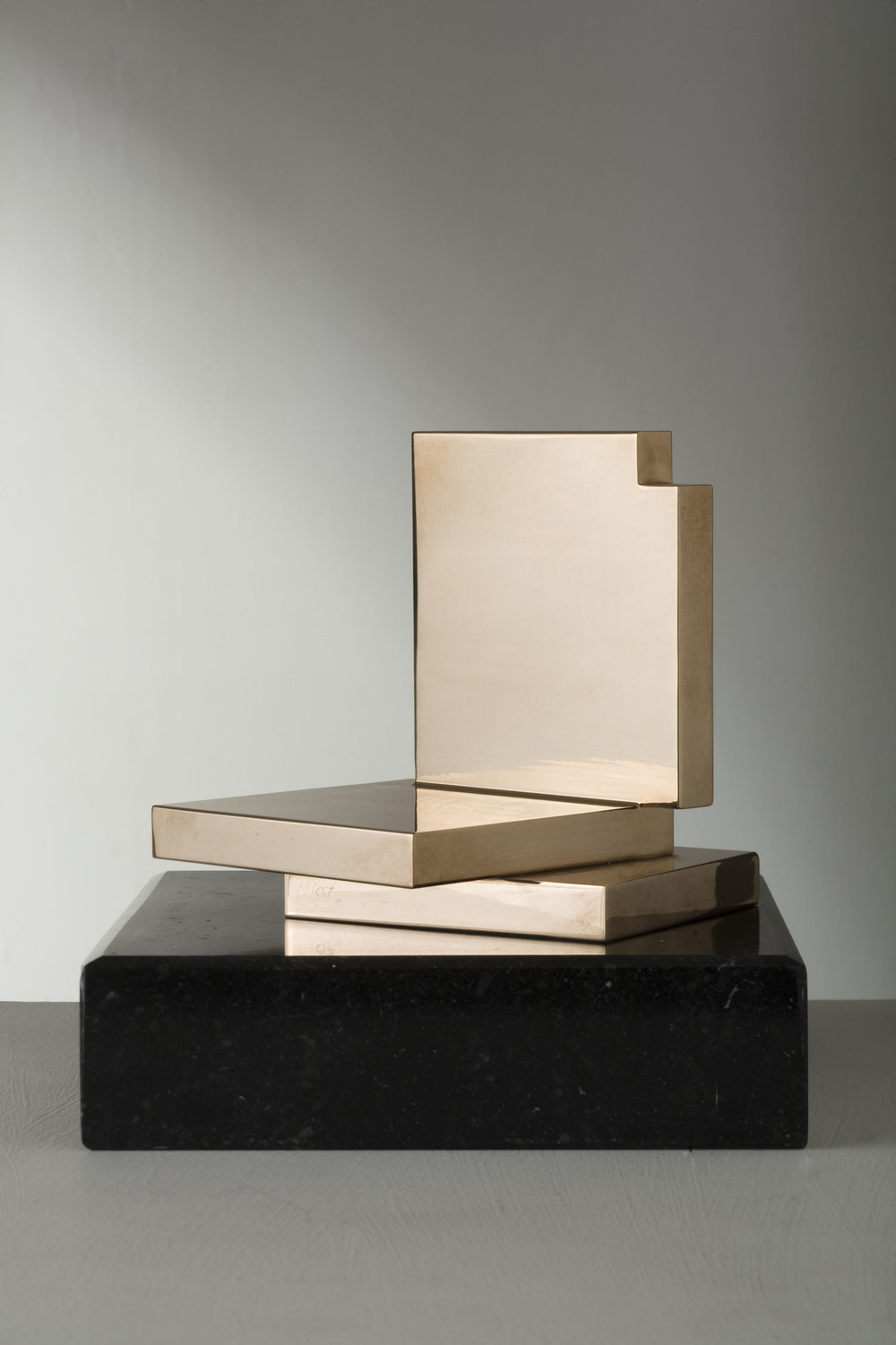 Michael Warren_-_Palcoscenico_polished milled bronze_11.5 x 10.5 x 11.5cm.jpg