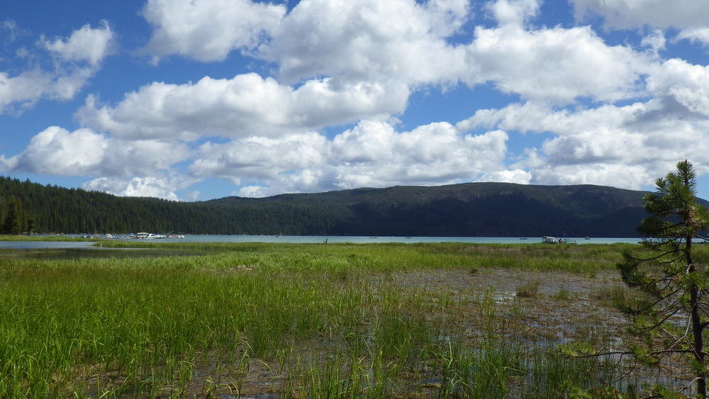 Paulina Lake from the parking lot (click image for larger view)