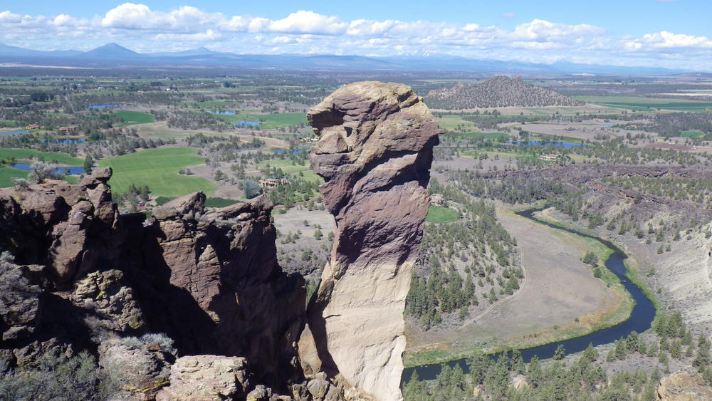 Monkey Face and the Crooked River from atop Misery Ridge (click for larger image)