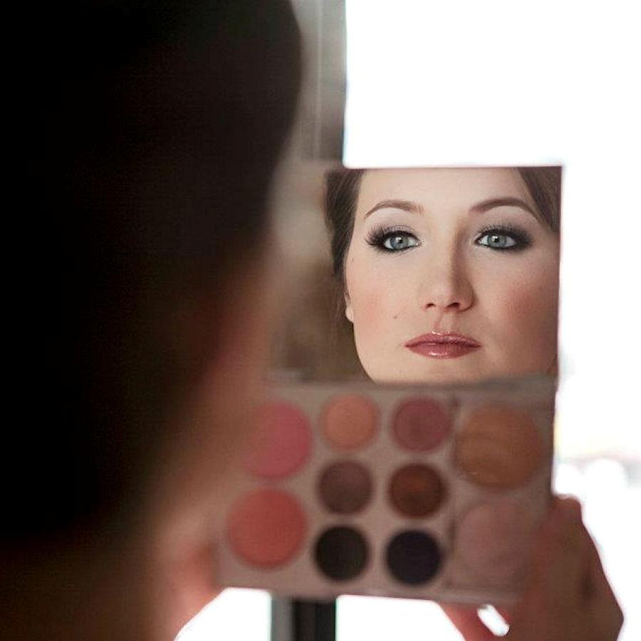 Bridal Makeup Closeup - Chenese Bean Makeup Artistry  Photo by Jenn Prine  Mally Beauty face palette