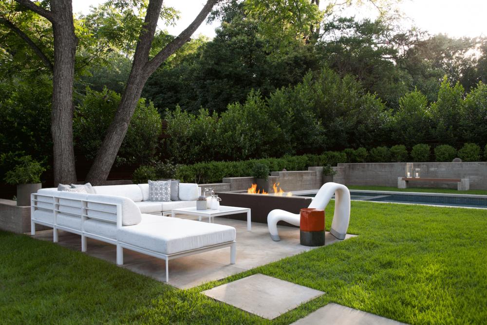 Tarrytown Exterior Patio | Robin Colton Interior Design Studio Austin Texas | www.robincolton.com