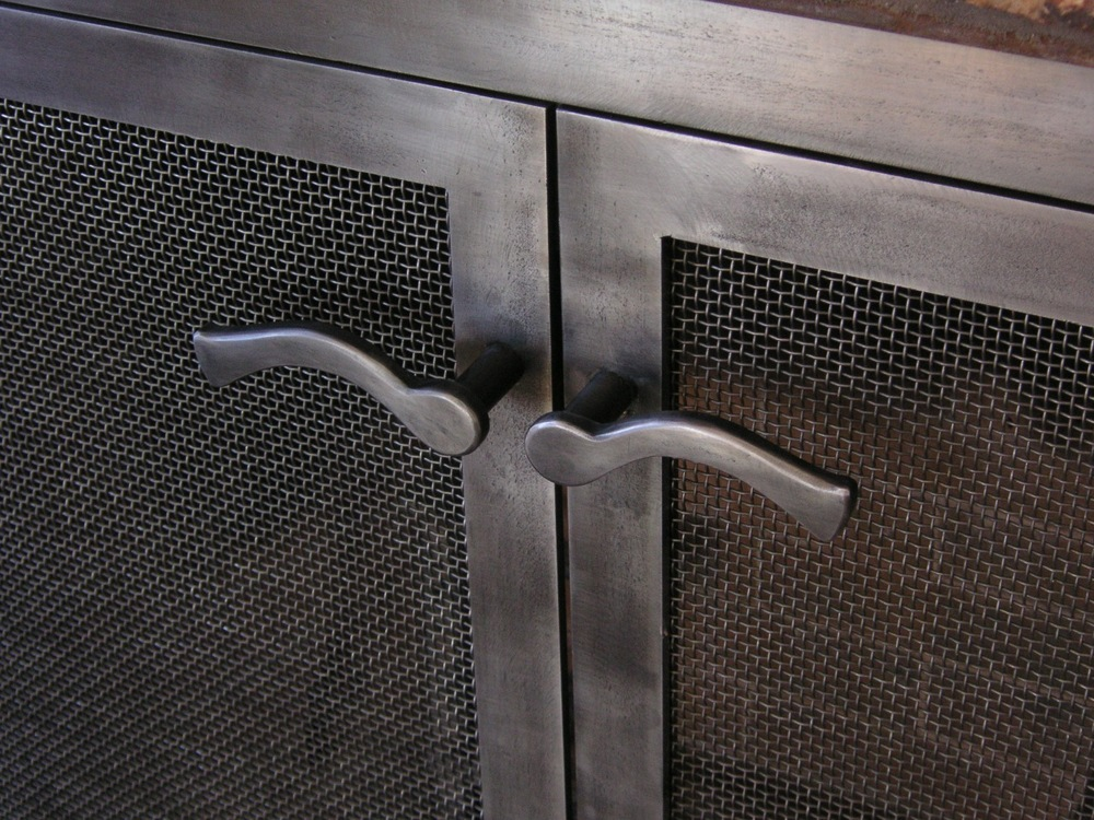 steel firescreen lever detail.jpg