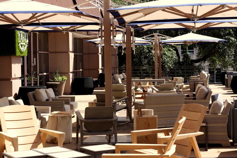 800x800_1486061882008-sideyard-terrace.jpg