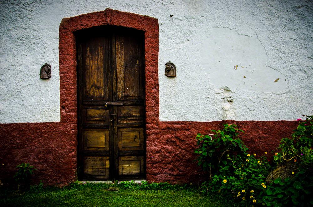 Puerta Caballos.jpg