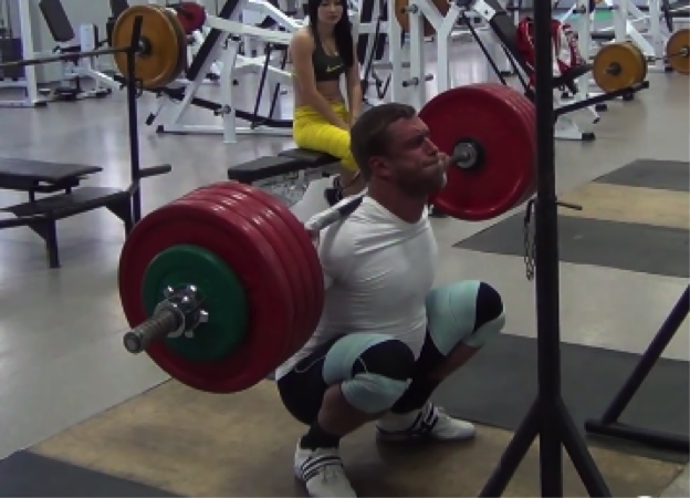 Klokov hits depth...with 542 lbs...for a 5 second pause...