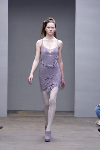 me want: (lavender knot dress + knit shoes by Mark Fast)