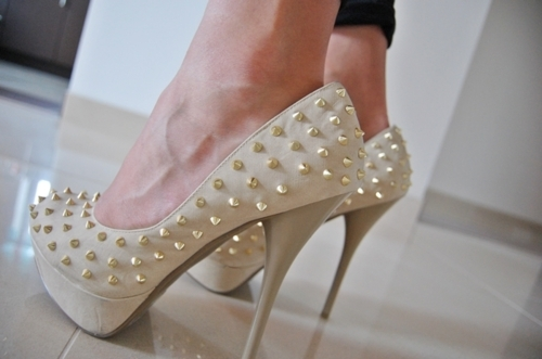 hello wedding shoes