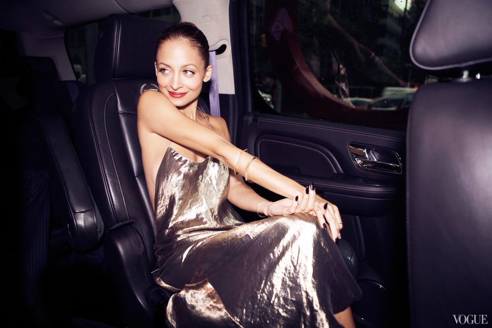 cfda-getting-ready-nicole-richie-14_10310470620.jpg
