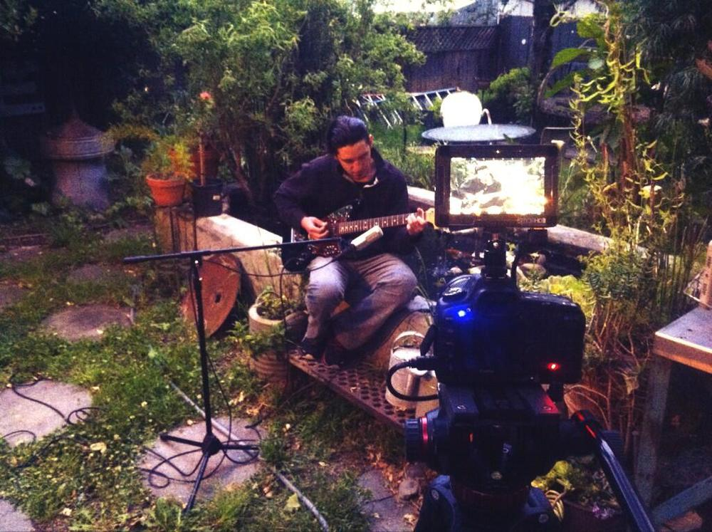 Pete Performing