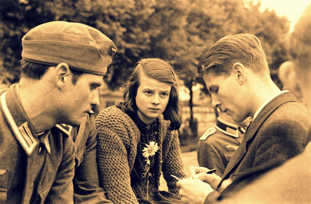 The White Rose members Hans Scholl, Sophie Scholl and Christoph Probst, Munich 1942