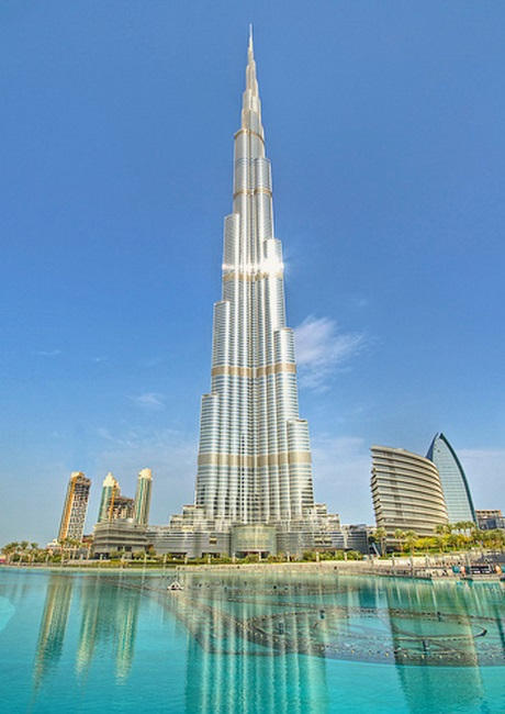 Burj Khalifa by  Colin Capelle