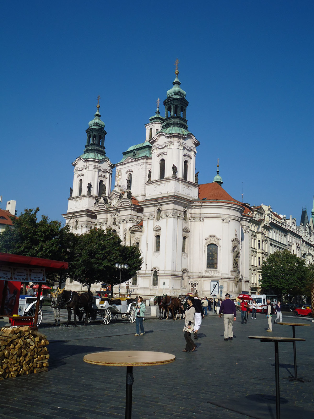 prague st nicholas church.jpg