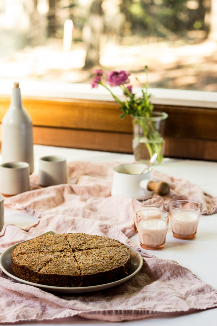 PISTACHIO ALMOND FLOURLESS CAKE-6.jpg