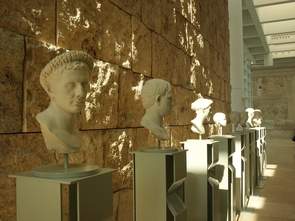 Musei Capitolini, Piazza del Campidoglio  / Geena Matuson @geenamatuson #thegirlmirage