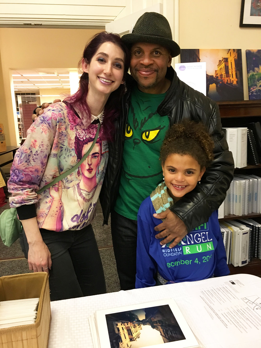 Geena Matuson (@geenamatuson) with Medfield Afterschool Program Director, Artist Kurt Jackson and daughter Jordan at the 2016 Holiday Stroll.
