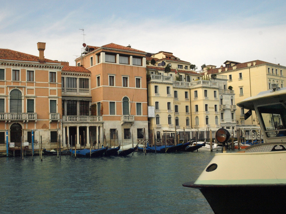 Campo San Vidal, Italy  / Geena Matuson @geenamatuson #thegirlmirage