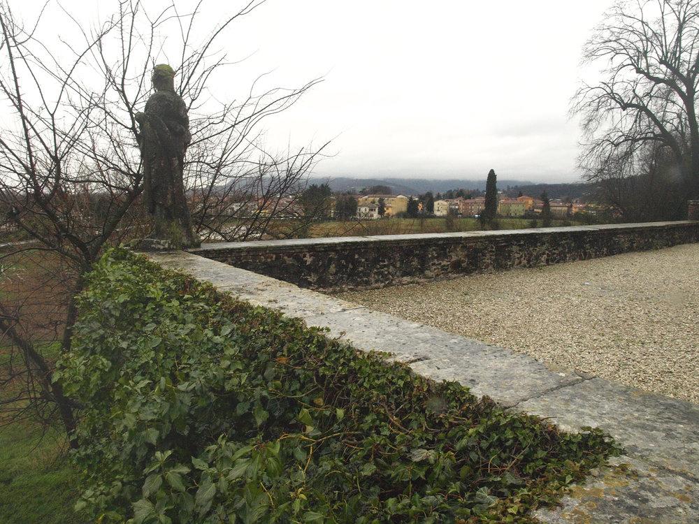 Villa Almerico Capra Valmarana  / Travel photography by Geena Matuson @geenamatuson #thegirlmirage