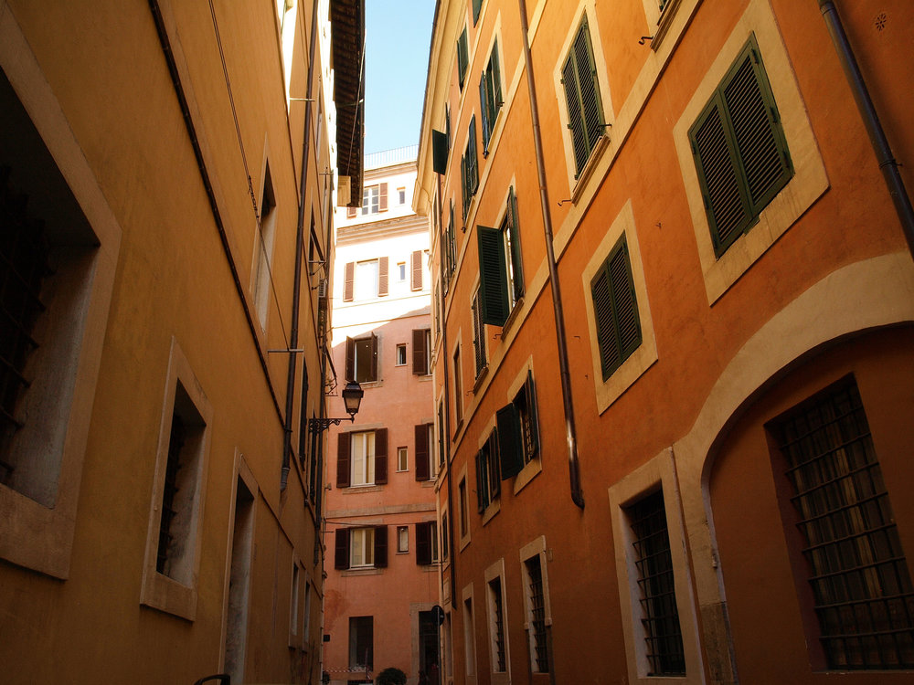 Via della Penna in Rome, Italy. Travel photography by Geena Matuson @geenamatuson #thegirlmirage.