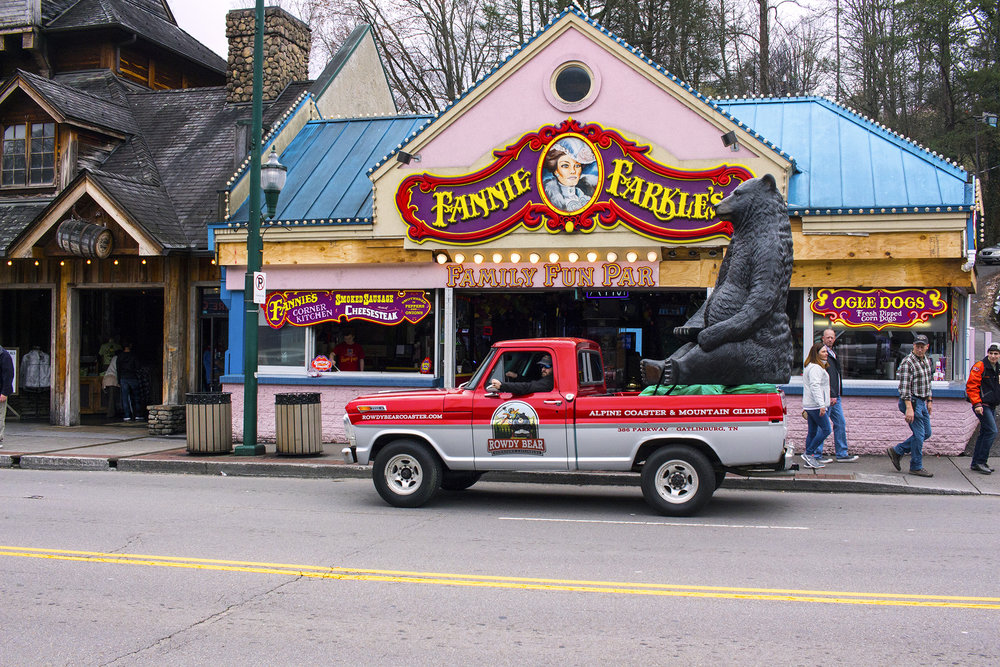 The right-place-right-time photograph of Fannie Farkle's in Gatlinburg, TN taken by Geena Matuson @geenamatuson #thegirlmirage, March 2018.