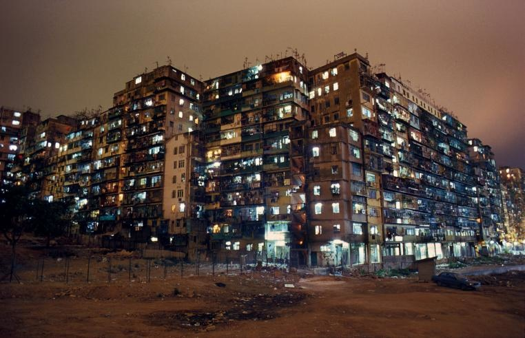 [Kowloon Walled City. © Greg Girard]
