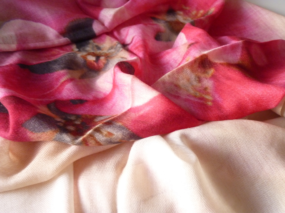 Fuchsia floral print wrap in silk and cashmere