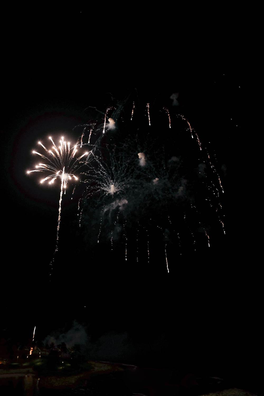 Oahu_Late_Summer_Fireworks_Naomi_Yamada-3.jpg