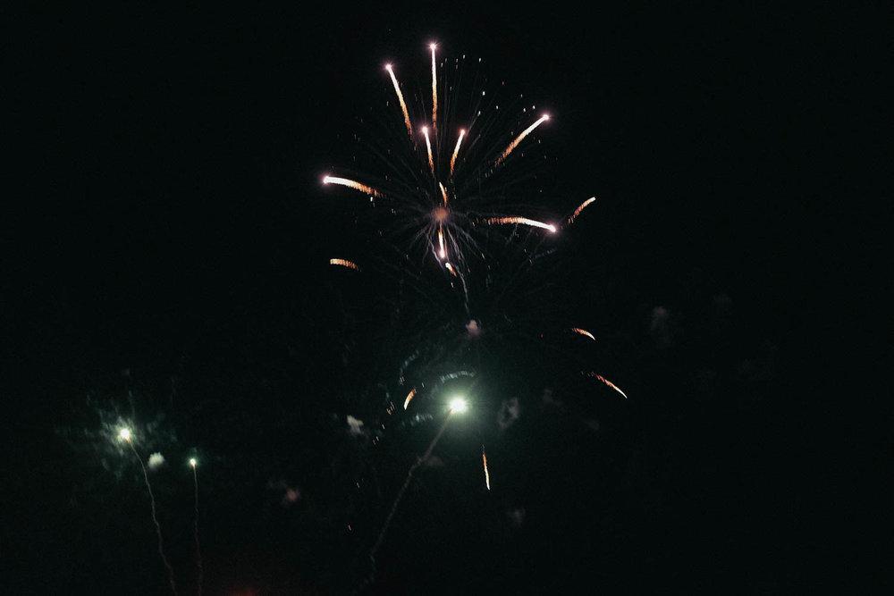 Oahu_Late_Summer_Fireworks_Naomi_Yamada-5.jpg
