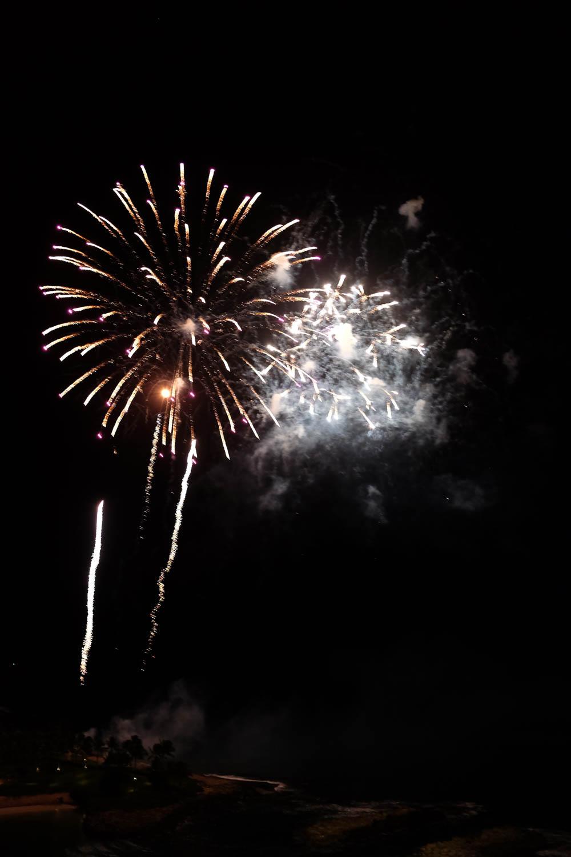 Oahu_Late_Summer_Fireworks_Naomi_Yamada-4.jpg