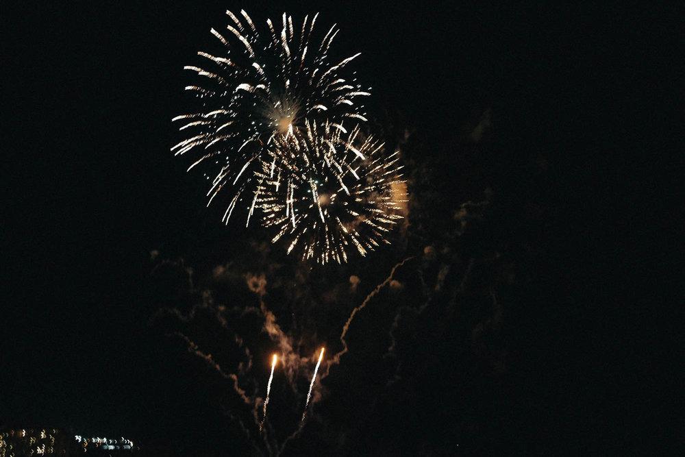 Oahu_Late_Summer_Fireworks_Naomi_Yamada-7.jpg