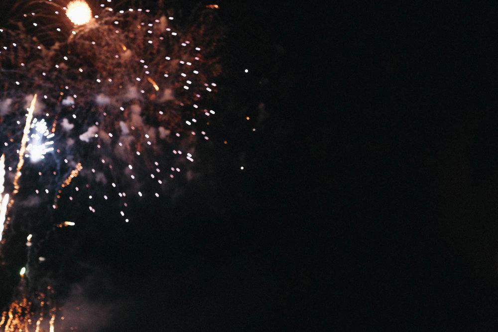 Oahu_Late_Summer_Fireworks_Naomi_Yamada-11.jpg