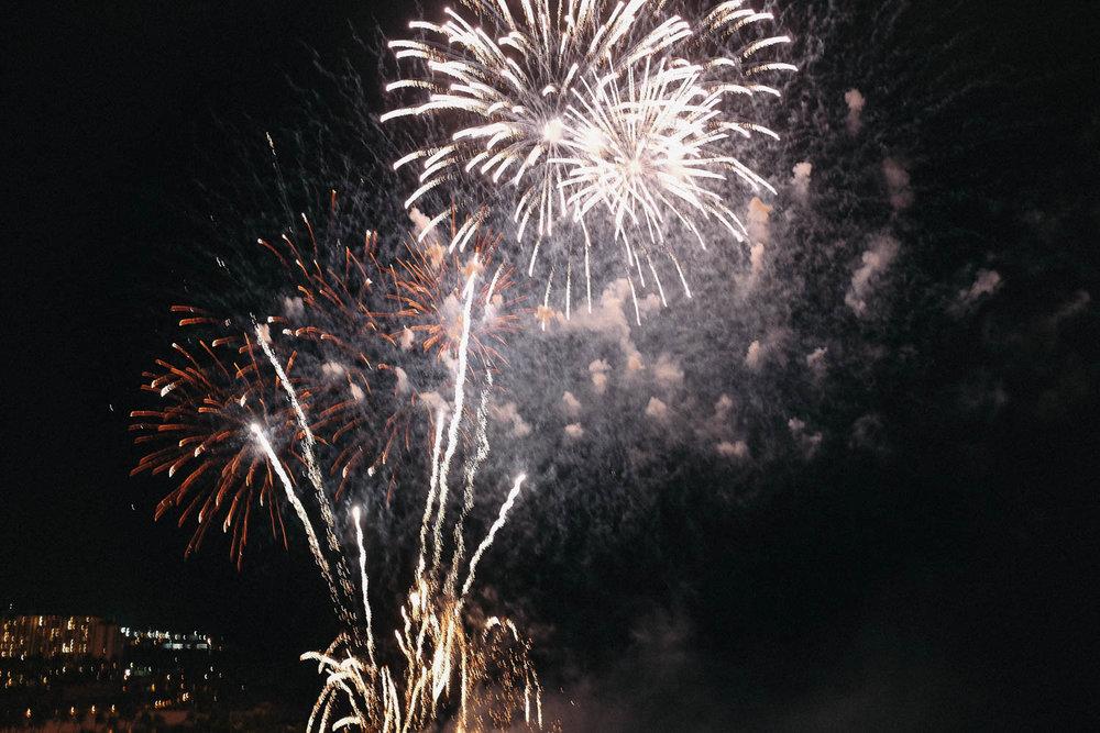 Oahu_Late_Summer_Fireworks_Naomi_Yamada-10.jpg