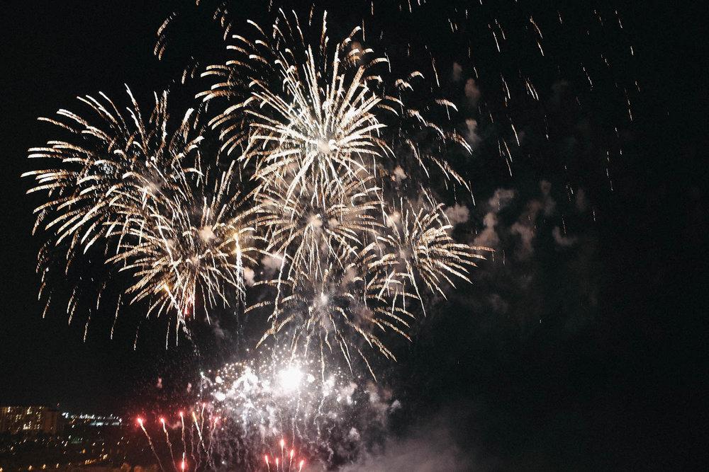 Oahu_Late_Summer_Fireworks_Naomi_Yamada-12.jpg