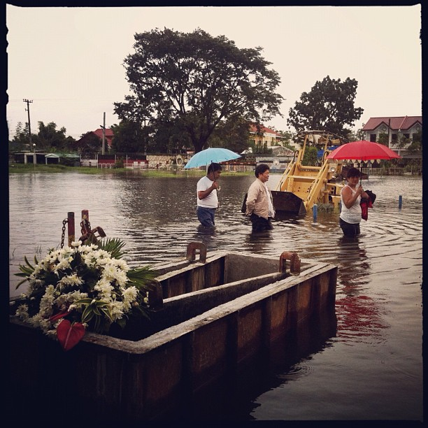 Calumpit (Taken with Instagram at Calumpit Garden Memorial Park)