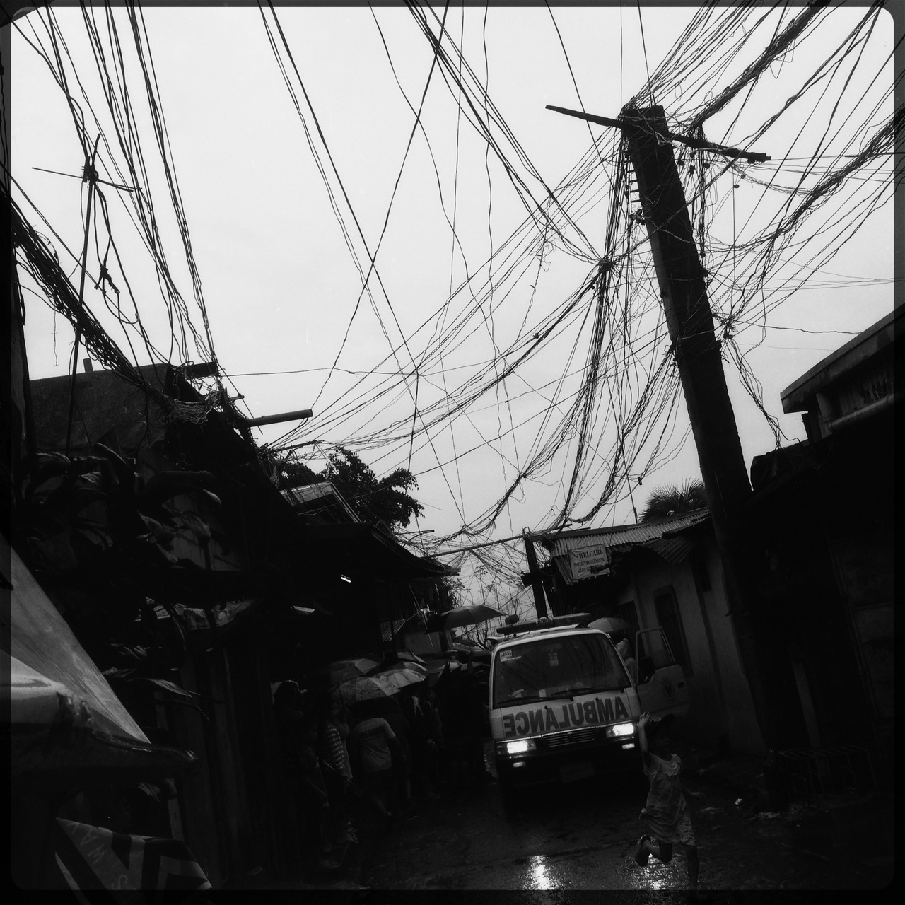 Death strikes via landslide in the Payatas area once again. Everytime a storm hits the area pretty bad, it happens. Over and over and over gain