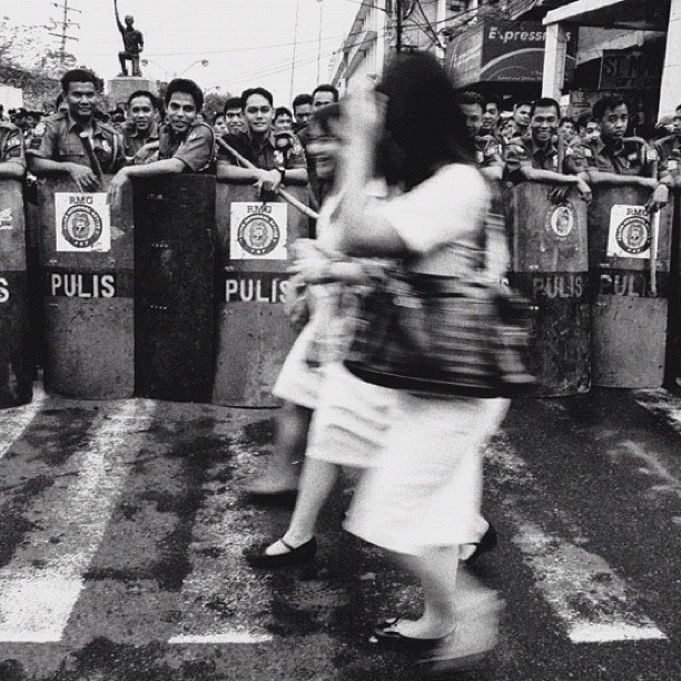 Manila's Finest at work (Taken with Instagram at Mendiola)