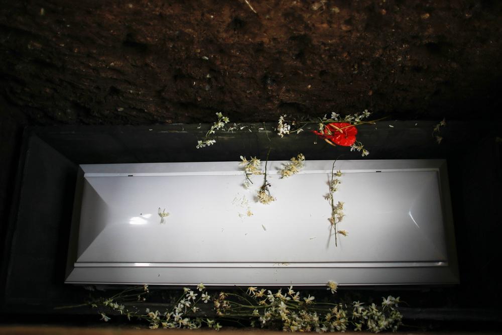 20130609-Sallymar-Funeral-00002341-Edit_2013_ForWeb.jpg