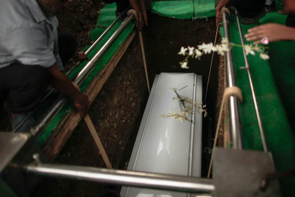 20130609-Sallymar-Funeral-00002317-Edit_2013_ForWeb.jpg