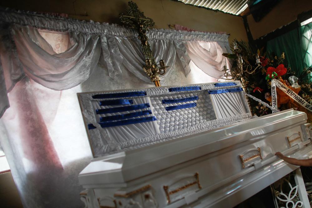 20130609-Sallymar-Funeral-00000929-Edit_2013_ForWeb.jpg