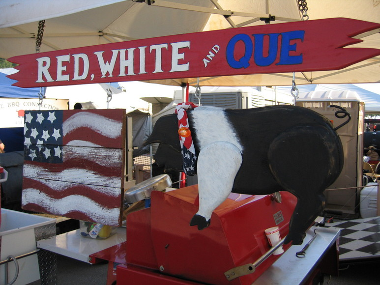 red, white and que slide show.JPG