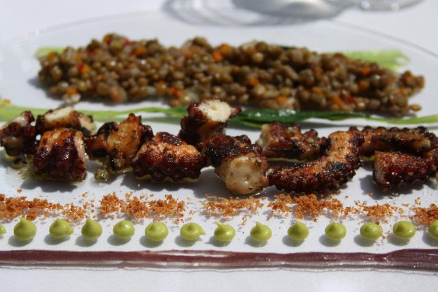 central-restaurant-plate.jpg