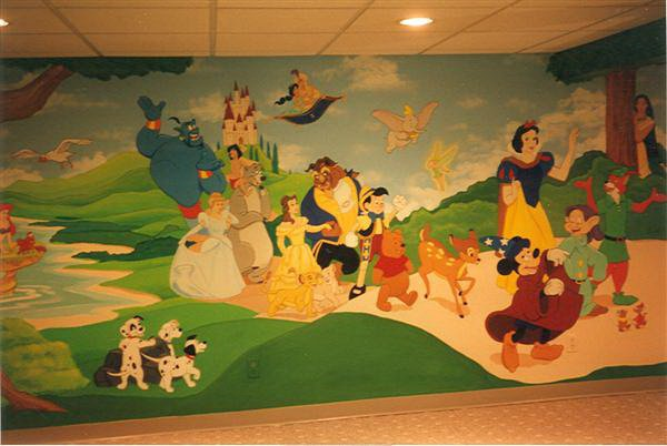 disney parade kids mural