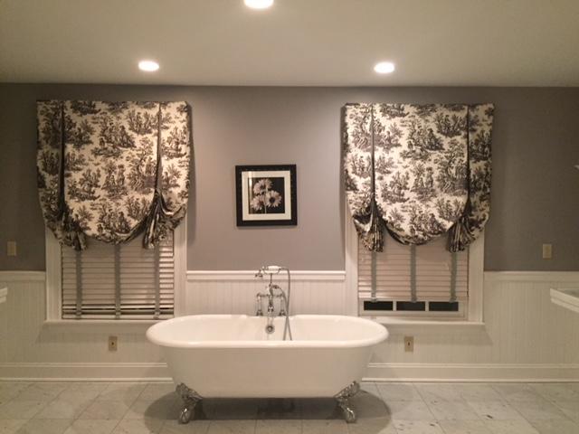 Master bath grey walls