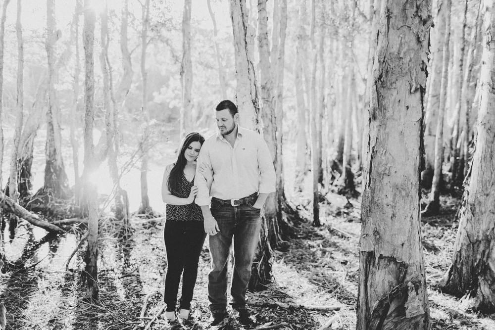 EngagementPhotos_Facebook_2046pixels-1071.jpg