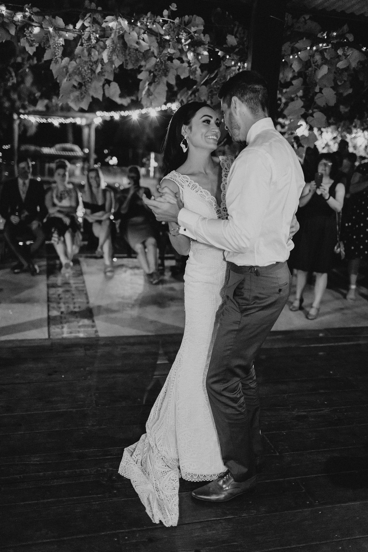 lauren-anne-photography-newcastle-wedding-photographer-mindaribba-house_0145.jpg