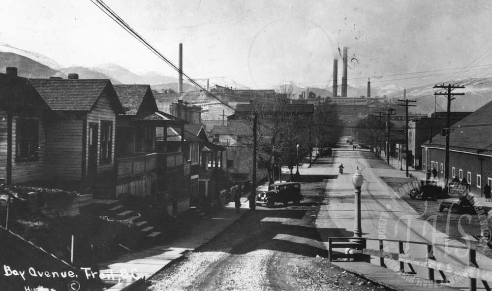 Bay Avenue from Oak Street (Hughes) - 1926
