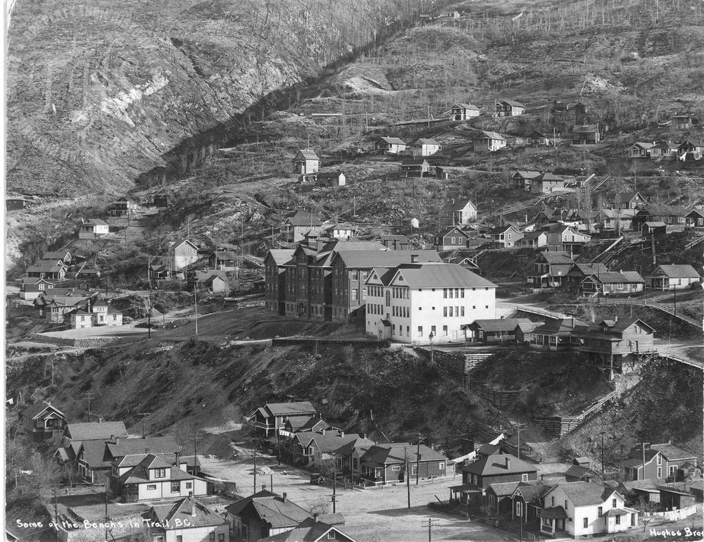 Tamarack Avenue, West Trail hillside from Smelter, showing Central School (Hughes) - 1933
