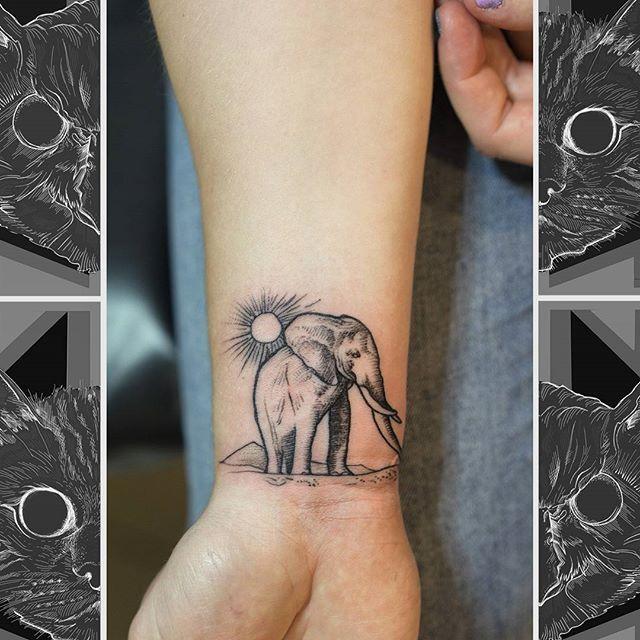 Wee elephant by @james_deveron  #owlcat #owlcattatto #tattoo #tattoos #tattooworkers #tattooartist #tattoosofinstagram #uktta #aberdeen #aberdeencity #scotland #fun #art #ink #tatmaps #bestofbritishtattoo #sonya7 #seeninthedeen #tattooist #artist #solidink #granitecity #elephanttattoo #animaltattoo #elephant