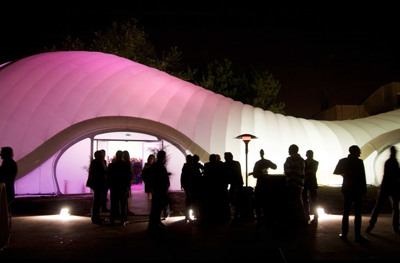 Inflatable events space debuts at Lille Museum of Modern Art